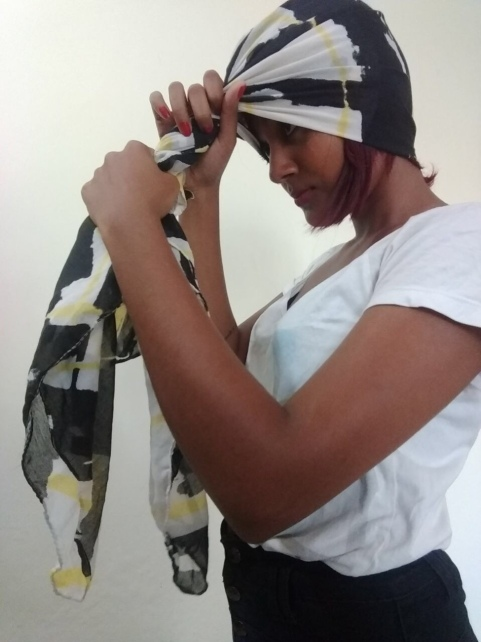EASY WAY TO DRAPE A HEAD SCARF